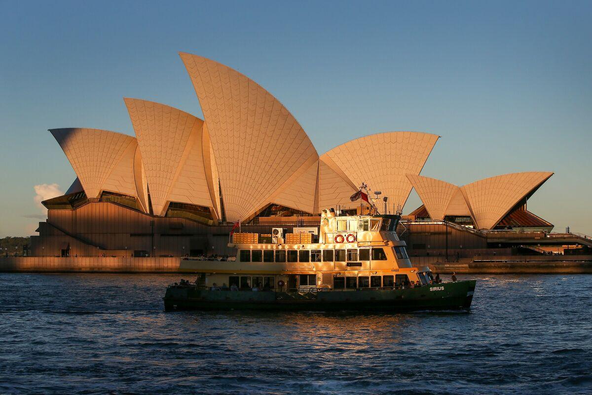 Australia's Unemployment Tumble Fuels View RBA Won't Extend YCC