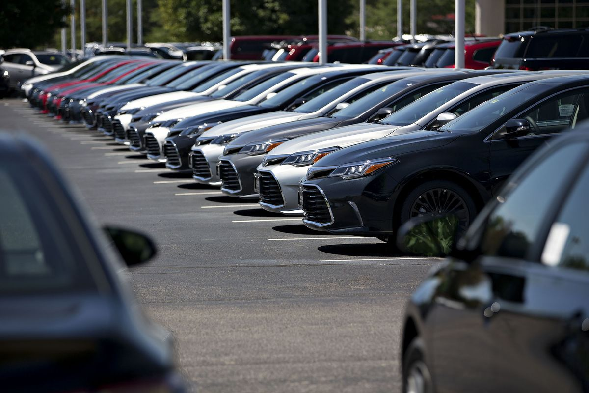the u s automotive market The automotive industry in the united states began in the 1890s and, as a result of the size of the domestic market and the use of mass production, rapidly evolved into the largest in the world.