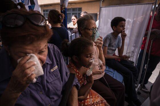 Venezuelan Opposition Sends Medical Help to Nation's Slums