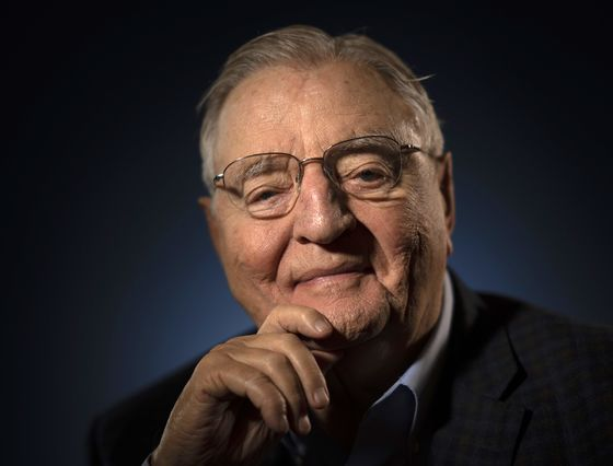 Walter Mondale, Ex-Vice President Routed by Reagan, Dies at 93