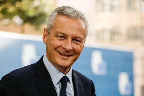 Le Maire Says France Sticks to Its Growth Outlook as Risks Rise