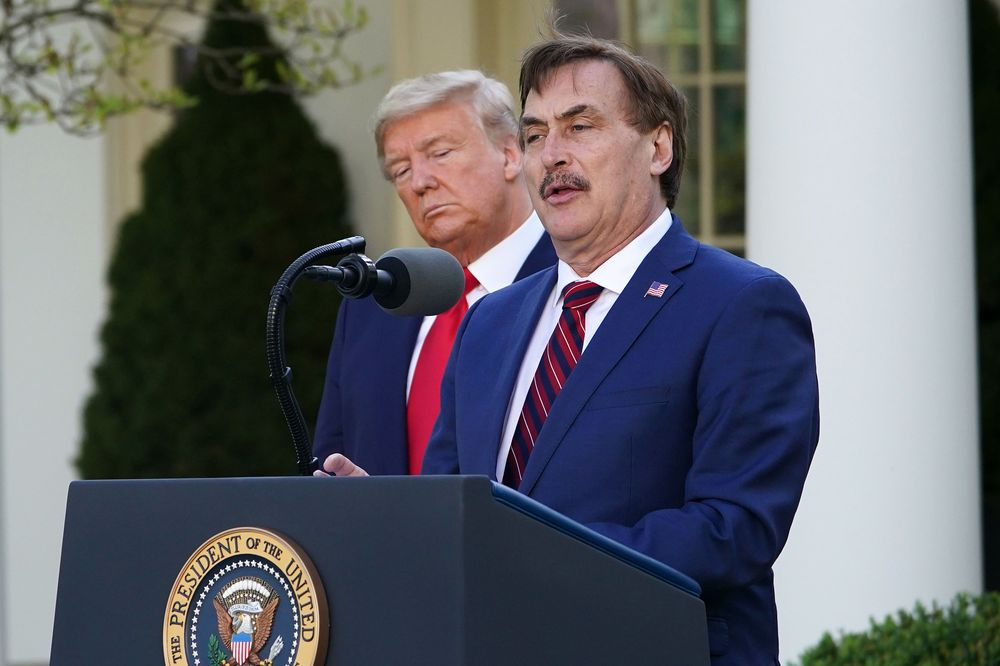 Trump Taps Mike Lindell Of My Pillow To Talk 2020 Campaign Ads Bloomberg