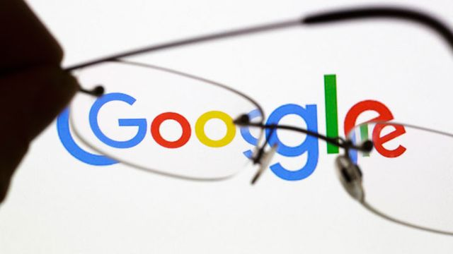 Google Turning Its Lucrative Web Search Over to AI Machines