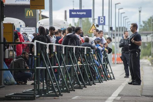 Freilassing Overwhelmed as Migrants Head to Germany