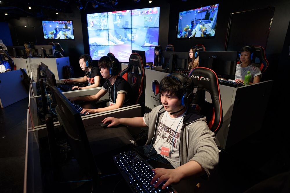 The Crazy Laws Keeping Japanese Out of Video Game Competitions
