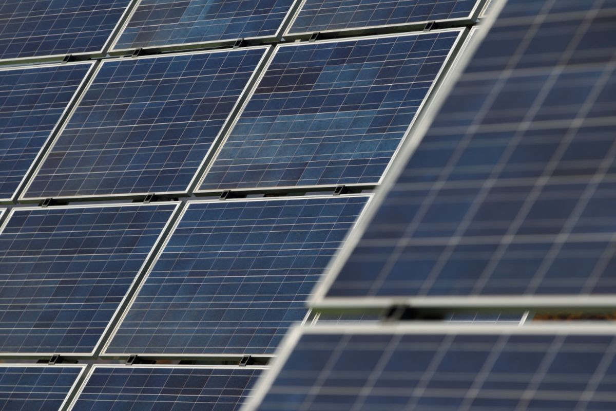 Solar Has New Way to Duck Trump's Tariffs: Two-Sided Panels - Bloomberg