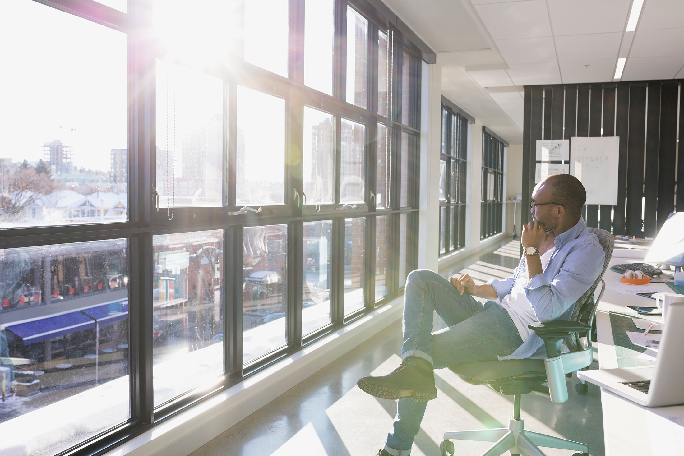 How office lighting can boost your productivity bloomberg for Office photos