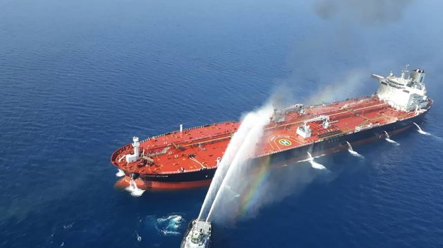 Trump Points Finger at Iran in Attacks on Oil Tankers in Gulf