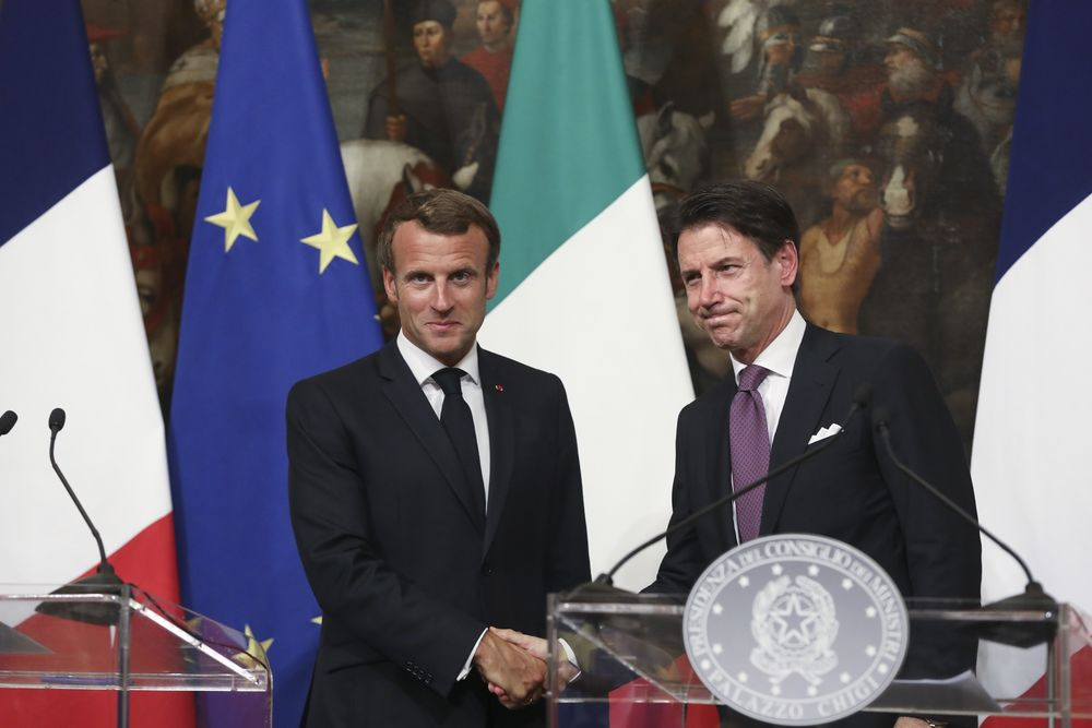 Macron Conte Stage Show Of Unity In Rome Signaling End To Feud Bloomberg