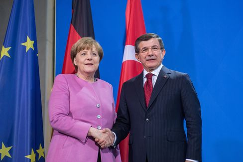 Angela Merkel and Ahmet Davutoglu
