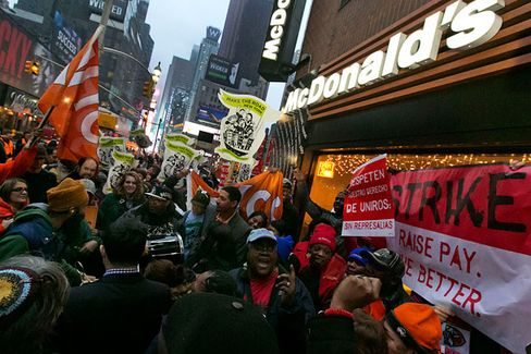 Fast-Food Workers of the World, Unite!