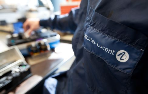 Alcatel-Lucent Begins 550 Million-Euro Sale of Convertible Bonds
