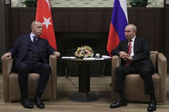 Erdogan Boasts He's Got More Antibodies Than Putin