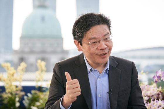 Singapore Virus Debate Sowing Rare Disquiet in Ruling Party