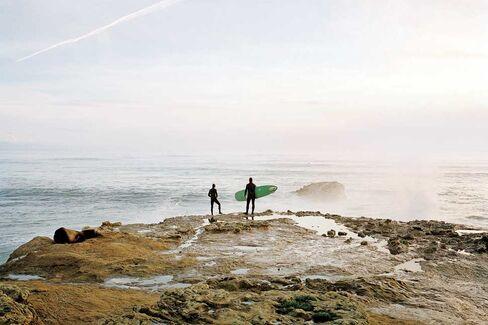 Crashing waves at Steamer Lane, Santa Cruz's top surf point