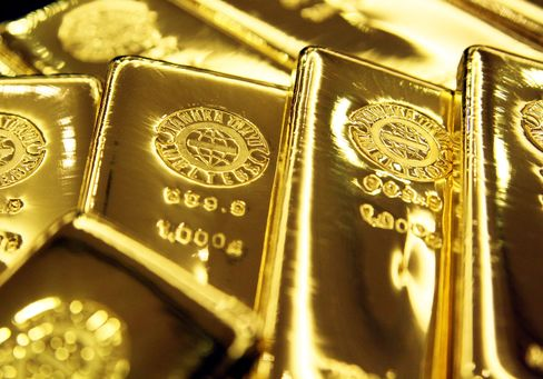 Gold Rallies to Record in Best Run Since 1980