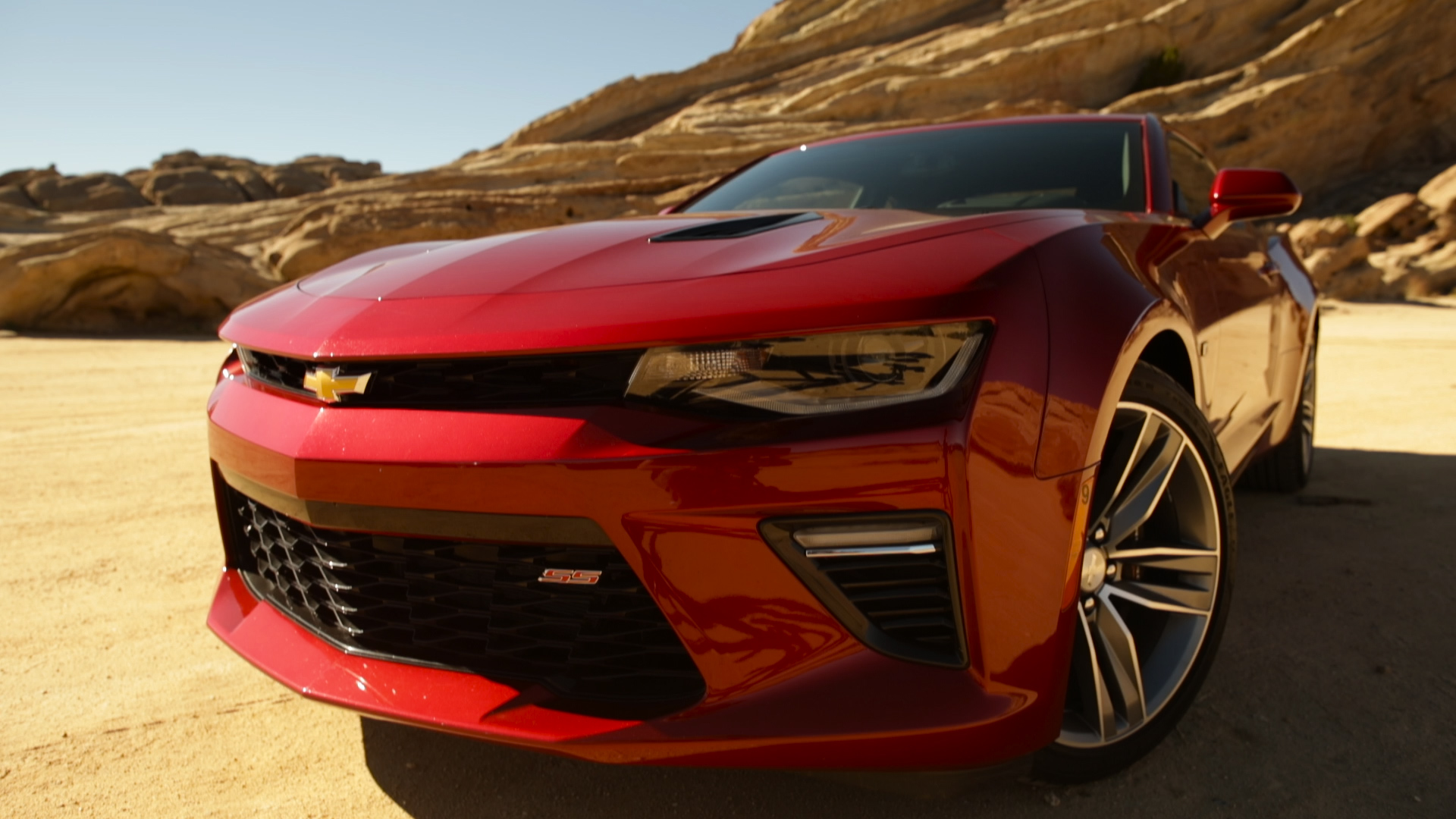 2016 chevrolet camaro ss review video bloomberg. Black Bedroom Furniture Sets. Home Design Ideas
