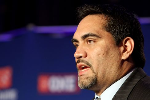 NFL Player's Association President Kevin Mawae
