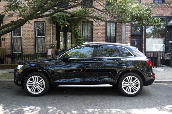 Audi Q Review Not Too Big Not Too Small Just Right Bloomberg - Audi q5 reviews