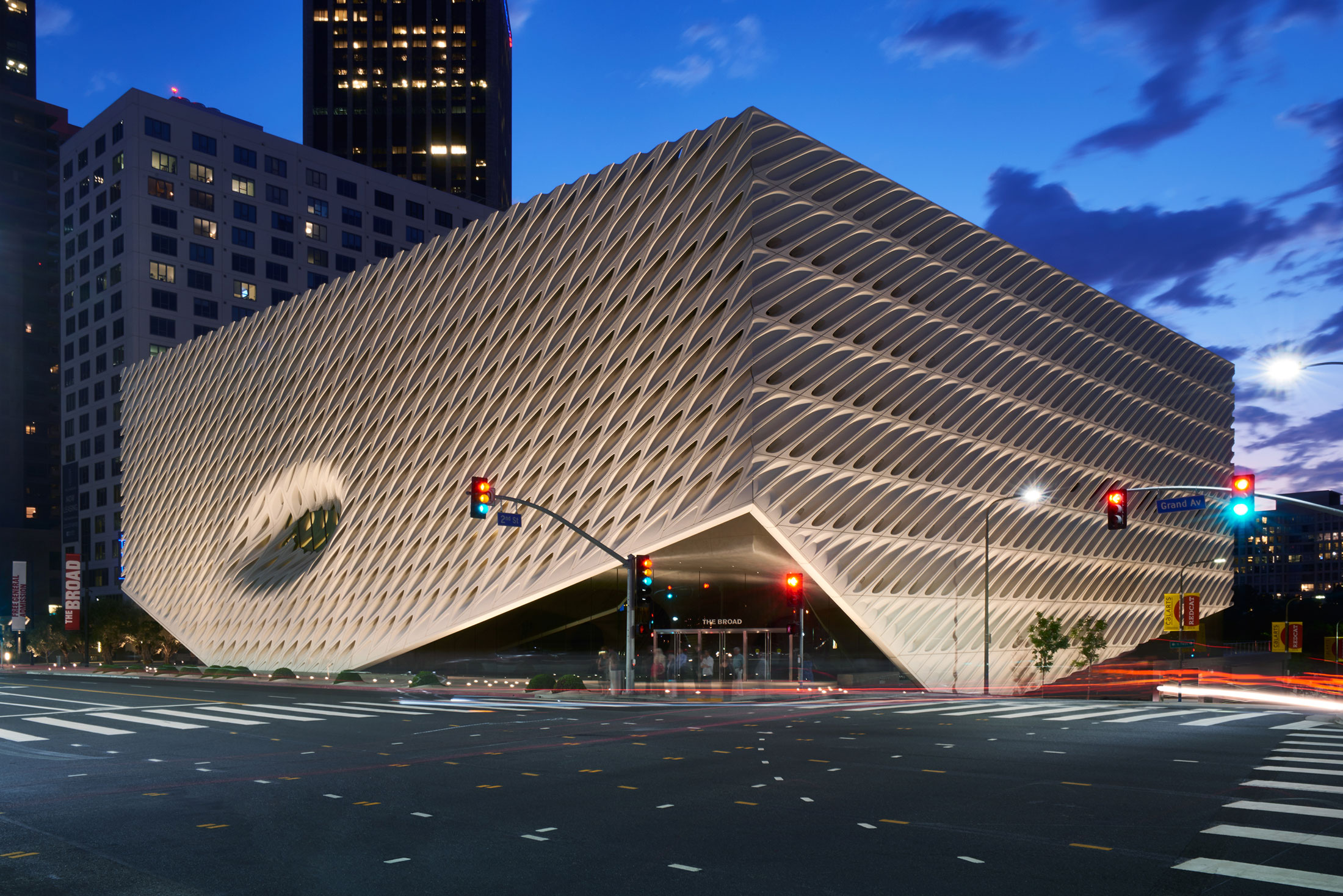 Essays about service art museums