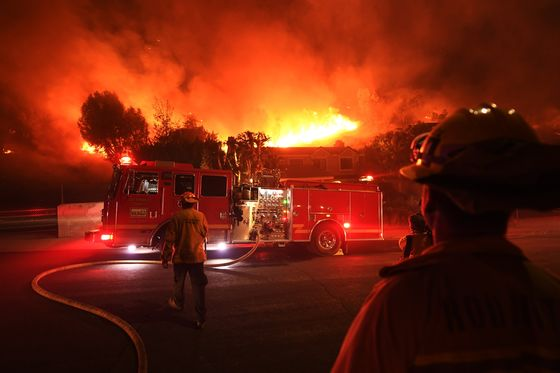 Edison Reviewing Wire Contact Before Start of Woolsey Wildfire