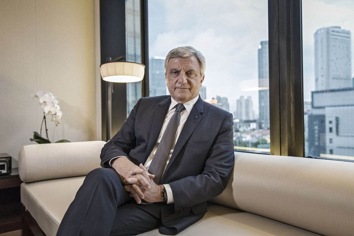 550decf82b8 Sidney Toledano Ends 20-Year Run as Head of LVMH s Dior - Bloomberg