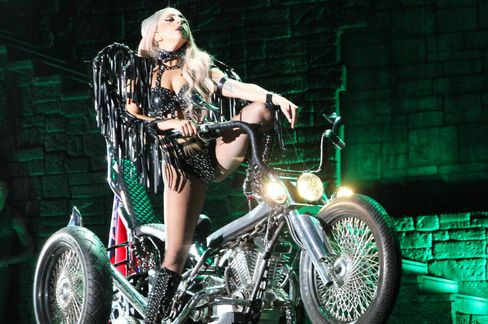 Lady Gaga for Free Online Shows Boom Missed by U.S. GDP: Economy