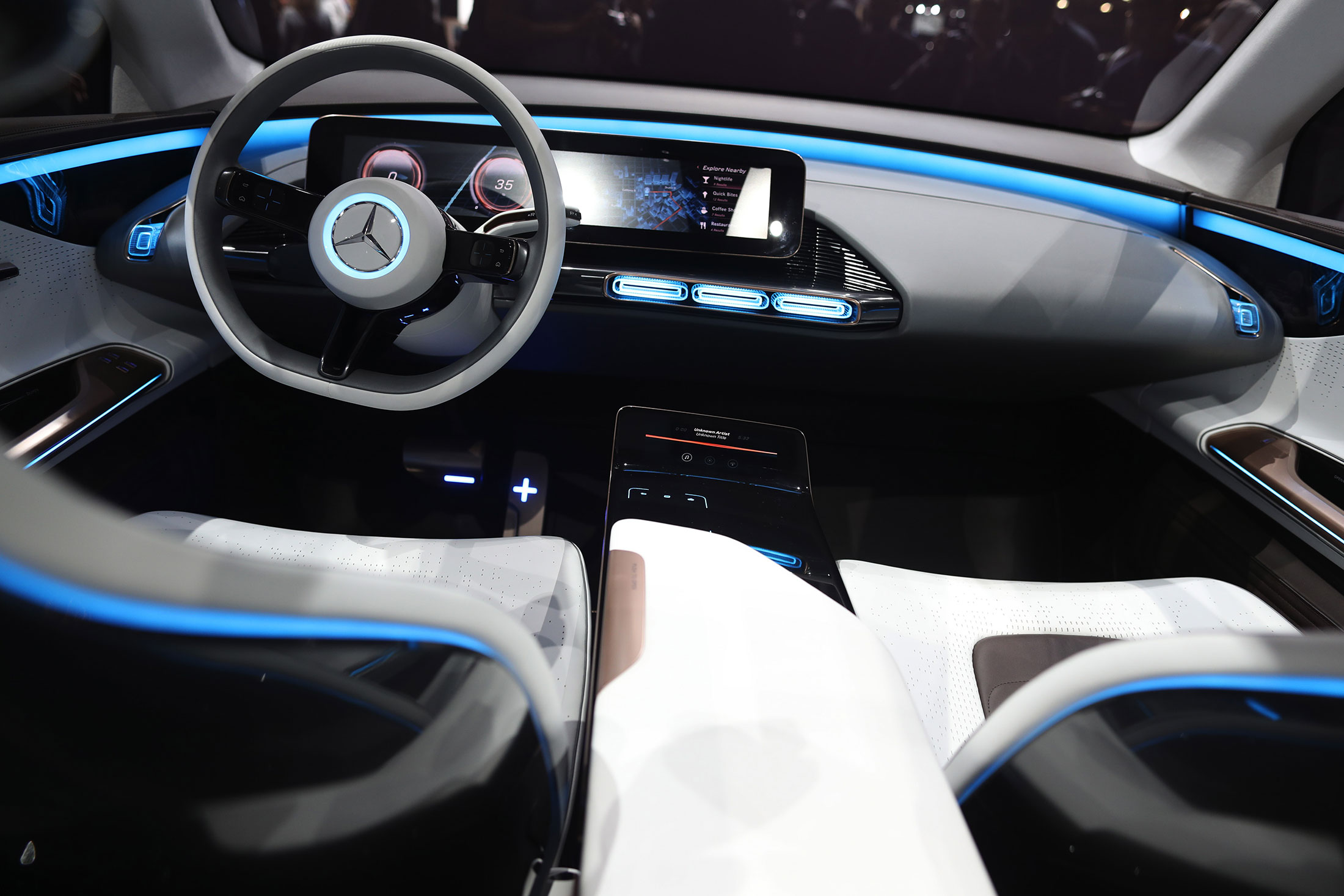 paris auto show displays industry out to get elon musk 39 s tesla bloomberg. Black Bedroom Furniture Sets. Home Design Ideas