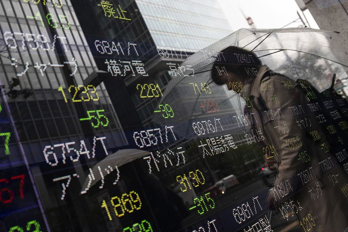 Asian Stocks to Slip With Trade, Fed in Focus: Markets Wrap