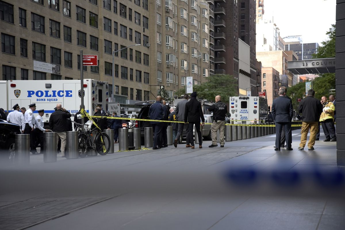 9b10a640a FBI Warns Additional Devices May Be in Mail: Bomb Scare Update - Bloomberg
