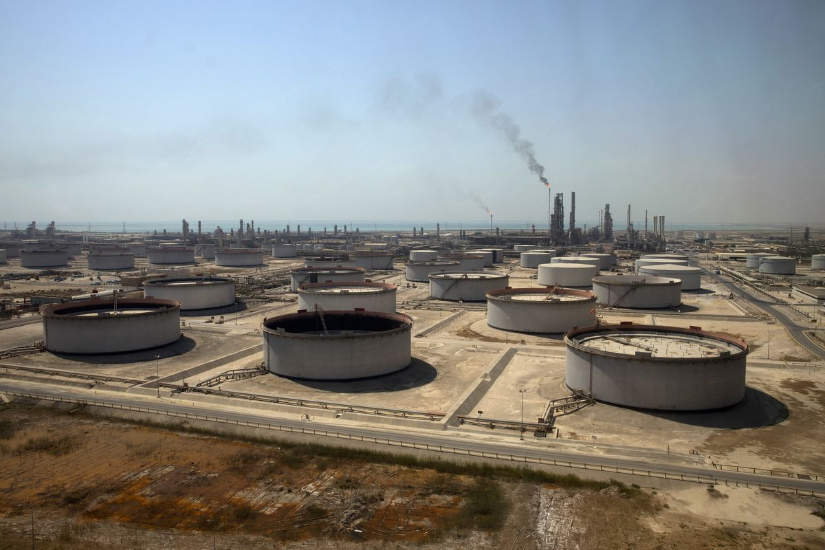 Saudis Pledge to Keep Doing OPEC's Heavy Lifting as Shale Surges
