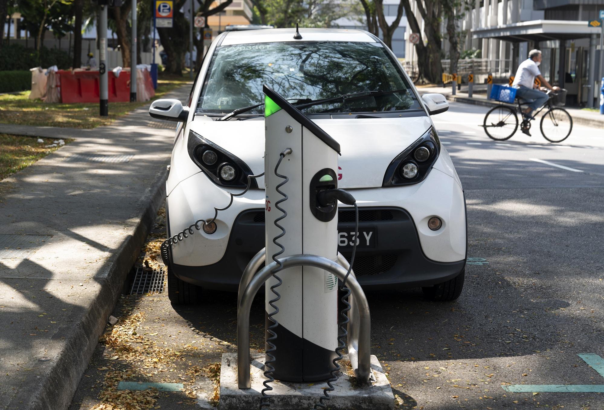 テスラの叱責から2年後のシンガポールの電気自動車への暖かさに関する