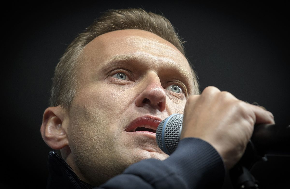 Putin Foe Navalny's Health Worsens, Aides Say He May Die In Days thumbnail