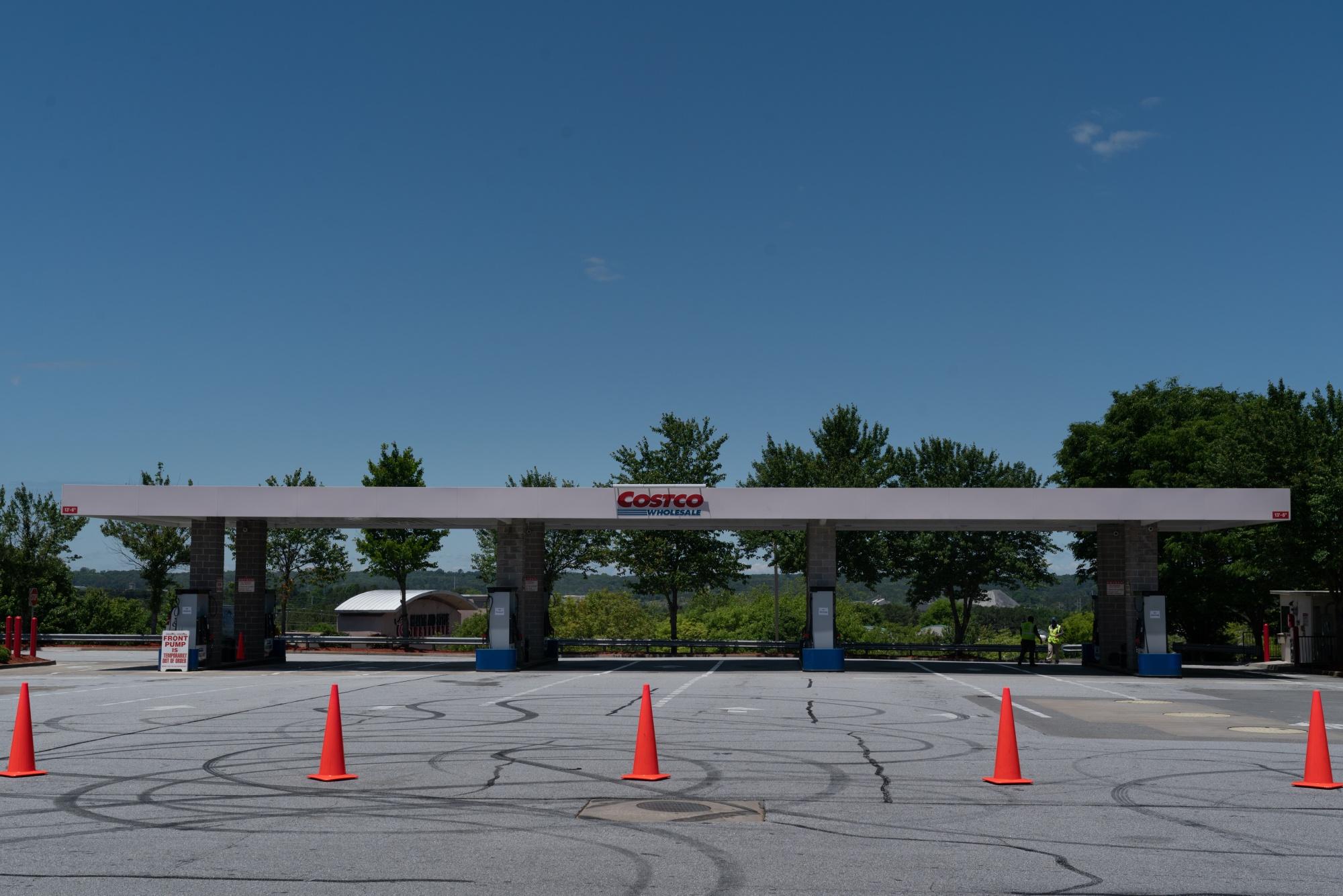 ステーションの燃料がなくなると、ガソリン価格が上昇します