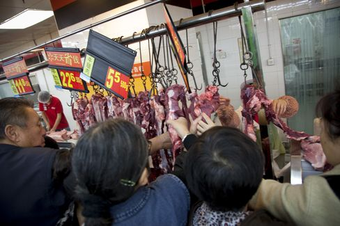 Wal-Mart Employees Released in China After Pork Labeling Arrests