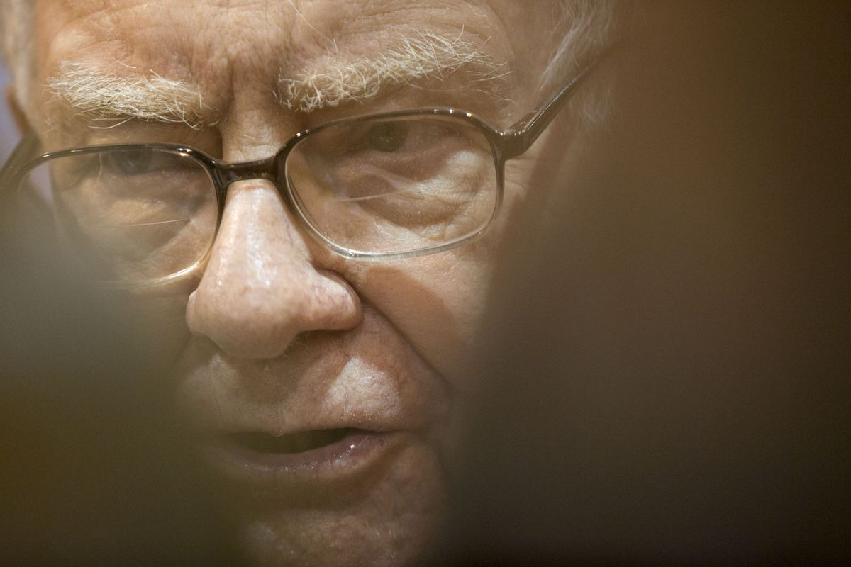 Buffett Buys a Further 75 Million Apple Shares, Sells Out of IBM