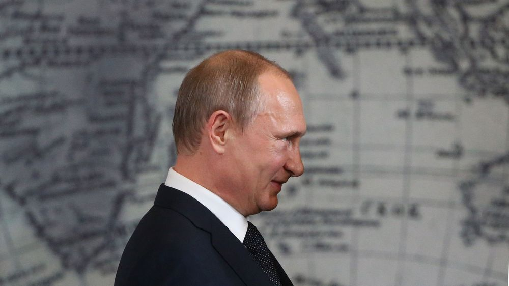 Crimea Is Now Putin S Problem Child Bloomberg