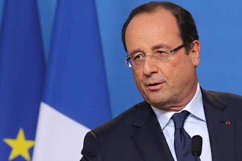 Investors Aren't Scared by S&P's France Downgrade. The French Should Be