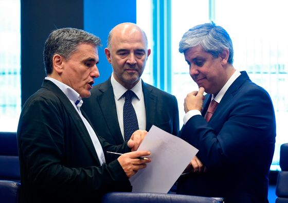 Greece's Creditors Agree to Debt Deal as Payments Eased