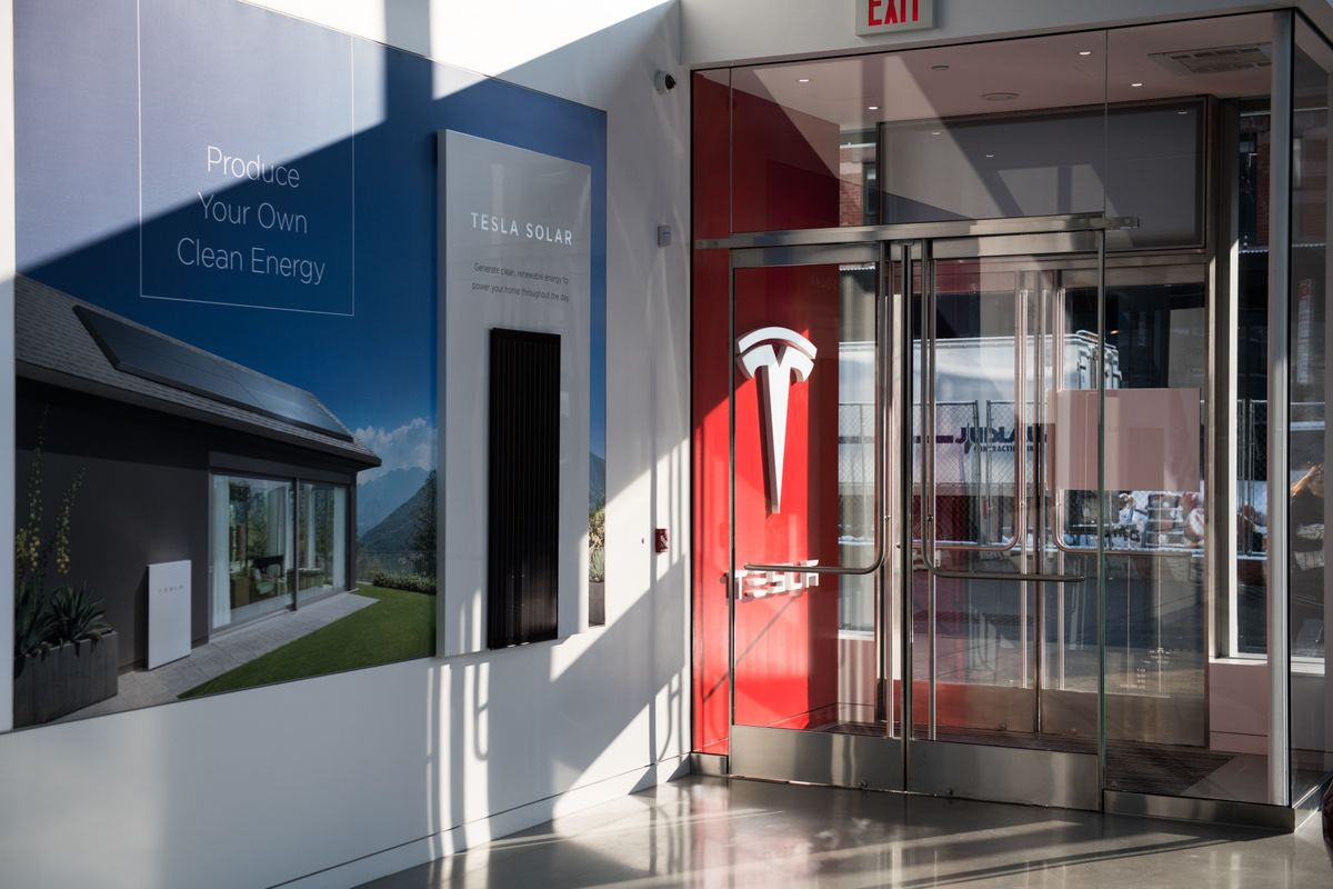 Tesla's Stagnant Energy Unit Reshuffles Executive Ranks