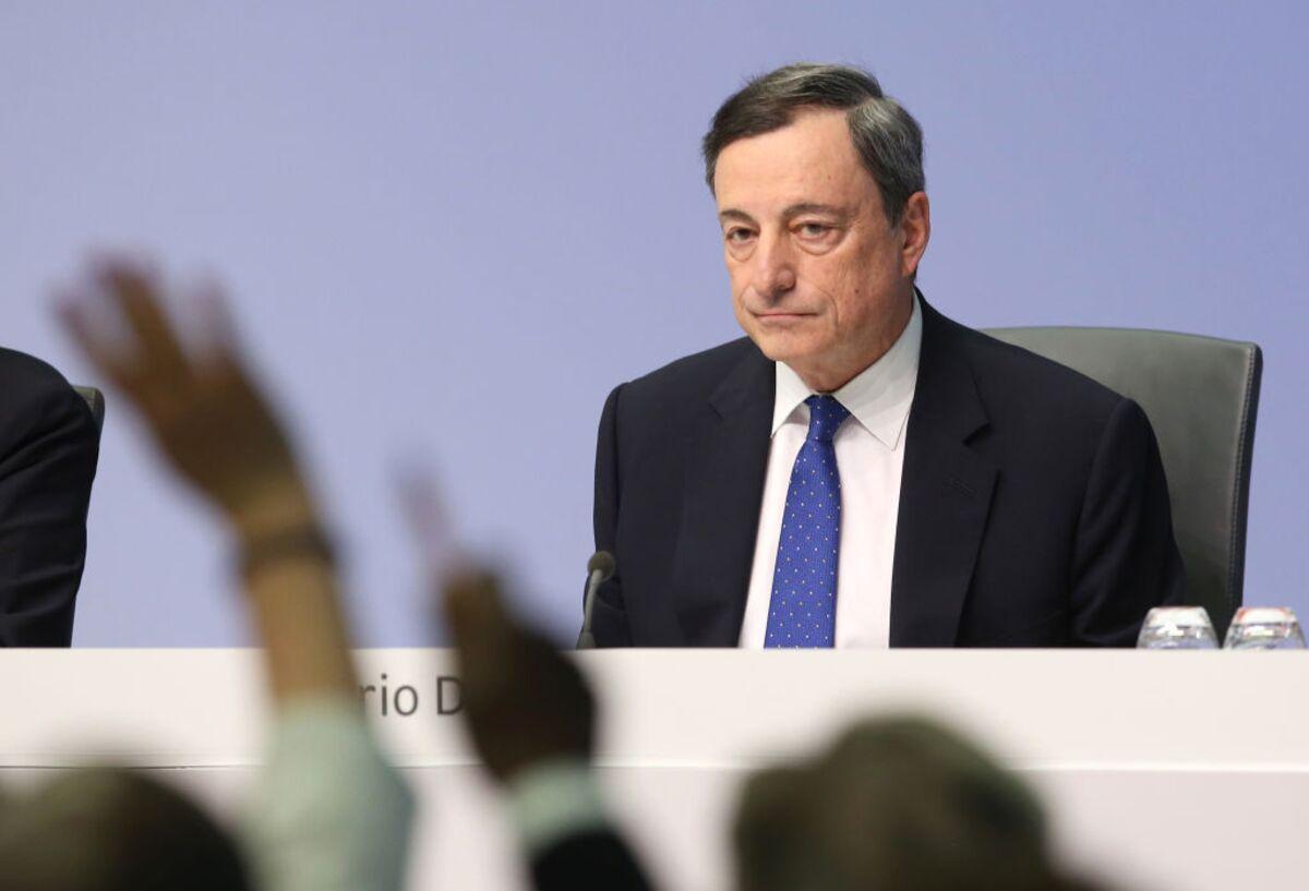 Οι κυβερνήσεις έχουν φέρει την ΕΚΤ σε δύσκολη θέση