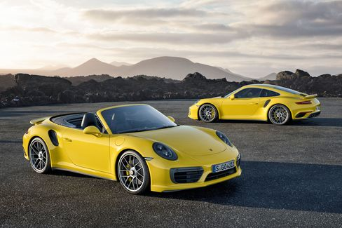 Porsche will globally unveil the new 2017 911 Turbo / Turbo S cars in Detroit.