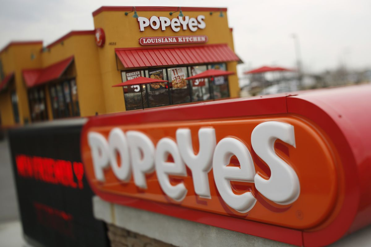 bloomberg.com - Leslie Patton - Popeyes Is Closing Some Restaurants Early on Staff Shortages