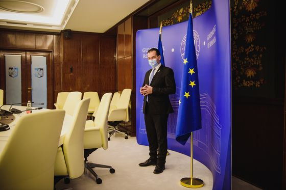 Romanian PM Says He'll Keep Populists at Bay, Despite Virus
