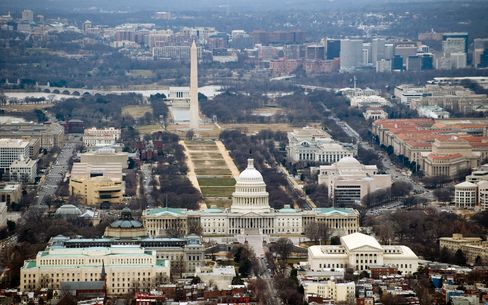 U.S. July Budget Gap Narrows on Lower Spending, Payment Shifts