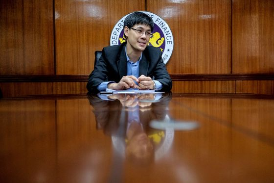 Philippines May Miss Growth Target as Covid Cases Surge