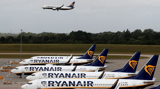 Ryanair Braces for Deepening Losses From New Lockdowns
