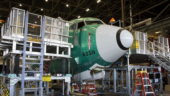 Boeing Races Ahead With 737 Max Output as Financial Risk Deepens