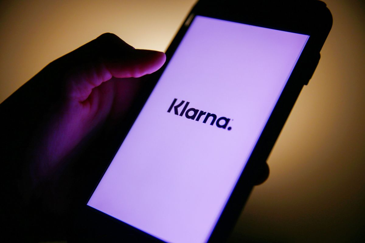 Swedish payments startup Klarna raises $1B at a valuation of $31B, triple its valuation in its last funding round in September (Natalia Drozdiak/Bloomberg)