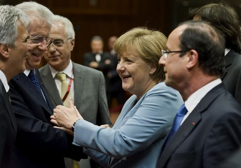 Europe Chiefs Clash on Euro Bonds as Crisis Summit Bogs Down